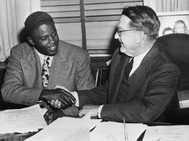 Branch Rickey (right) and Jackie Robinson (left)